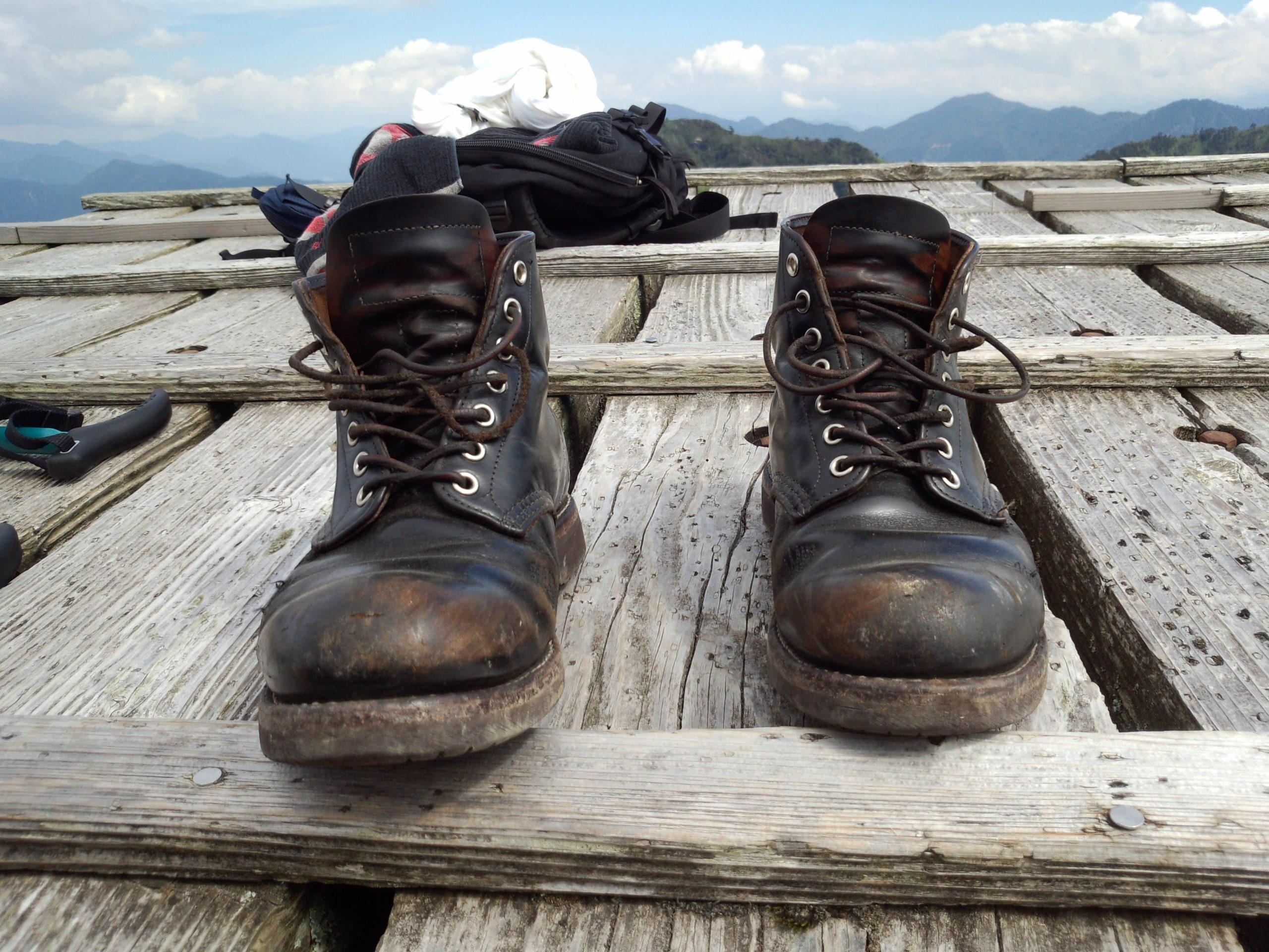 登山のときのブーツ レッドウィング9870 茶芯 ワークブーツ ブラッククロンダインク