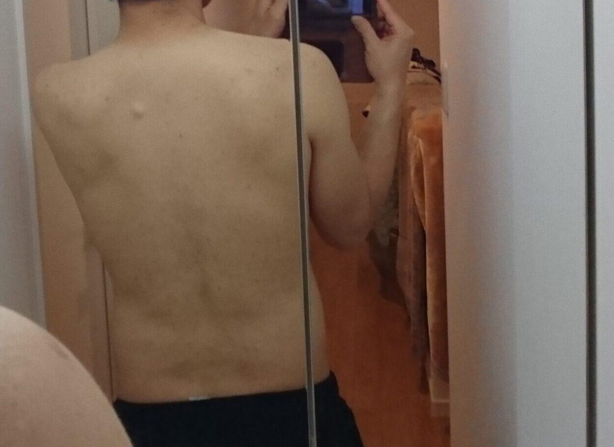 SOELU ヨガ 男性 中年 ダイエット 健康